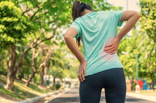 Was gegen Rückenschmerzen nach dem Joggen hilft